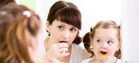 Leprikónka, víla, myšky. Ako sa deti vo svete lúči s mliečnymi zubami?