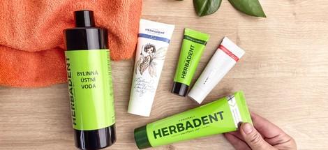Herbadent – bylinná starostlivosť o zuby a ústa s bylinami z Česka