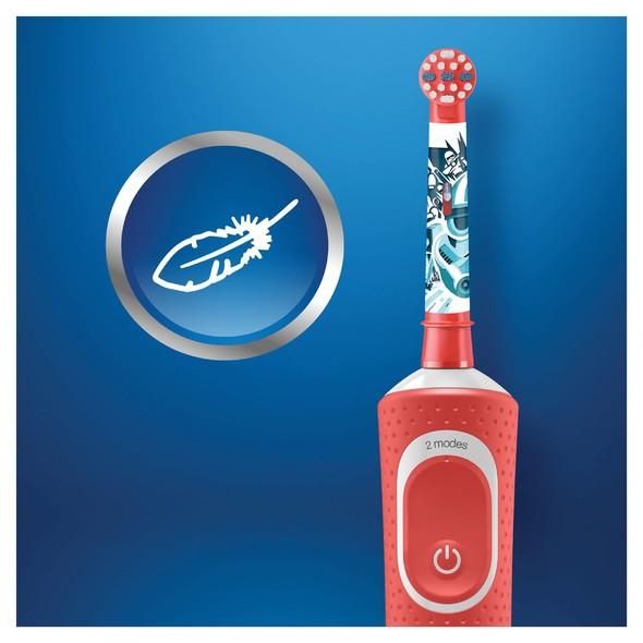 Braun Oral-B Kids Star Wars zubná kefka + cestovné puzdro