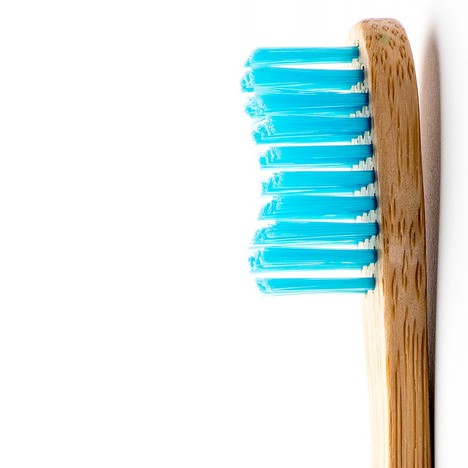 The Humble Brush Adult Soft zubná kefka 1 ks