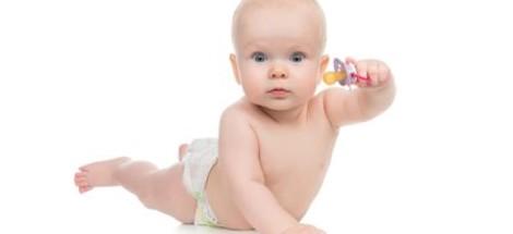 Používanie cumlíka - ako ho vyvariť a ako od neho dieťa odnaučiť?