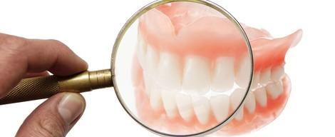 Čo Vás zaujíma o zubných náhradách, mostíkoch a implantátoch